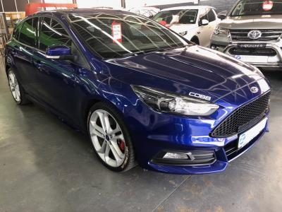 Ford FOCUS 2.0 ECOBOOST ST3 - Contact us for more information...